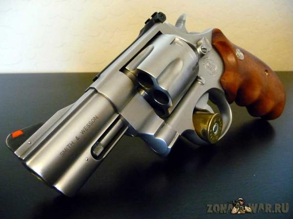 револьвер 12