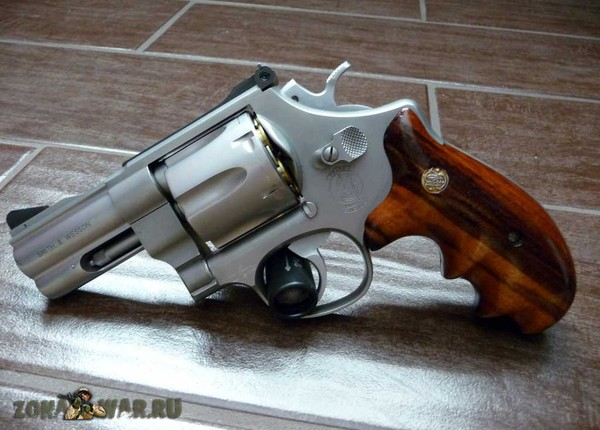 револьвер 25