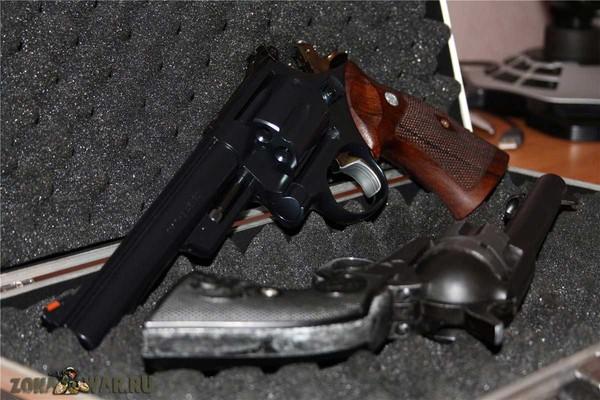 револьвер 28